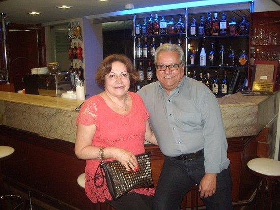 Hotel Rafain Centro: Aconchegante bar do hotel