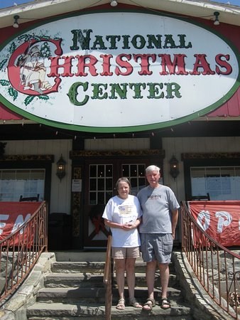 Paradise, PA: Us at the Entrance to National Christmas Center.