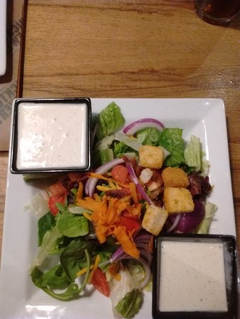 Owasso, OK: Side Salad with Spicy Ranch Dressing