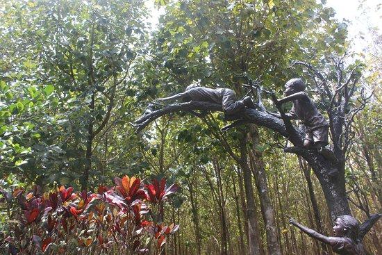 Kilauea, ฮาวาย: My favorite sculpture - part of the Beach Walk
