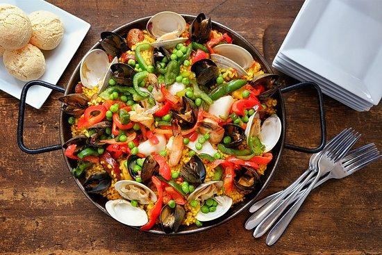 Mezon Tapas Bar and Restaurant: Signature Paella