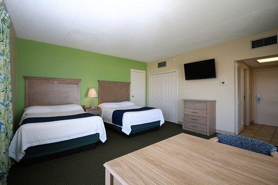 Silver Gull Motel: Standard Room - 2 full size beds