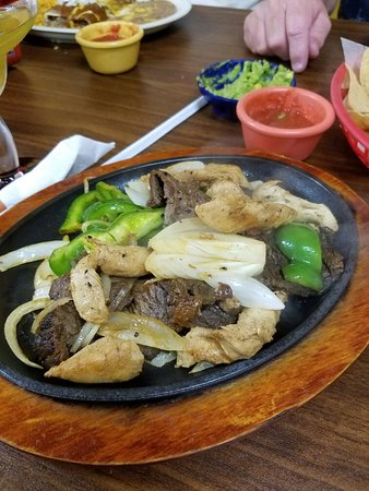 Hamilton, TX: Beef and Chicken Fajitas