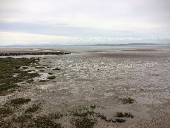 The Balmoral Guest House: Morecambe Bay