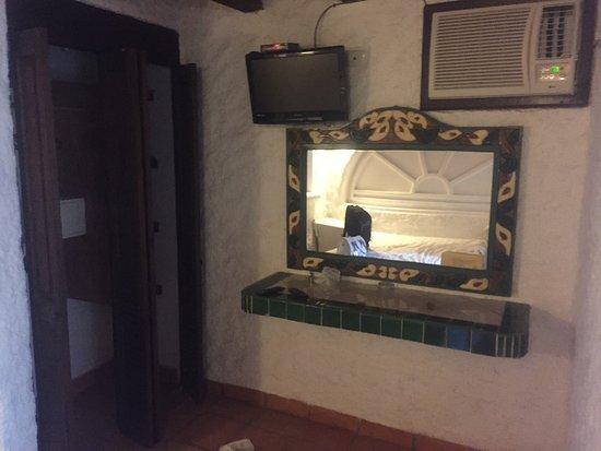 Hotel Mimi del Mar: El closet y tocador