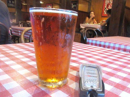 Sunnyvale, كاليفورنيا: Beer, St. John's Bar & Grill, Sunnyvale, Ca