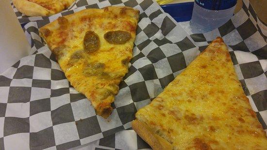 Bonanno's New York Pizzeria: A sample of their fare.