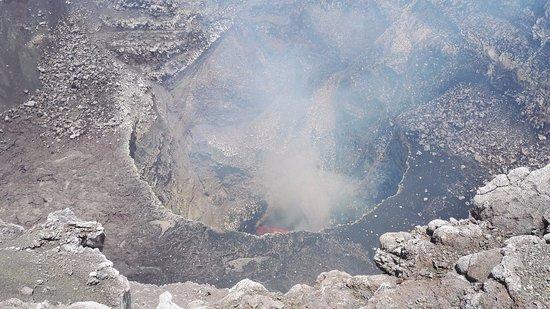 Masaya Volcano National Park: Pohled do nitra kráteru