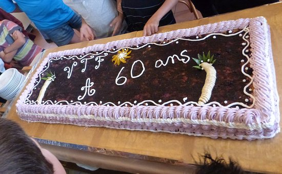 Gâteau Anniversaire 60 Du Vtf Picture Of Vtf Les Carlines Doucy