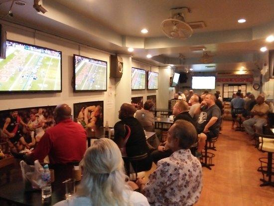 The I-Rovers Sports Bar, Restaurant & Guest House: 21 flatscreens showing live sport