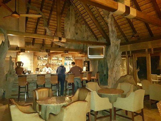 Kapama River Lodge: Hotel y Safaris de lujo