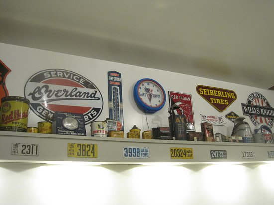 Wetaskiwin, Canada: Garage signs in craft room (for kids)