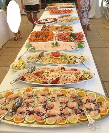 Hotel Sanremo : buffet di pesce del giovedì..