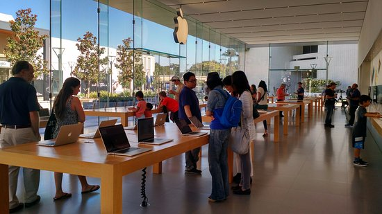 The Stanford Shopping Center: Apple Store, device section, glass walls