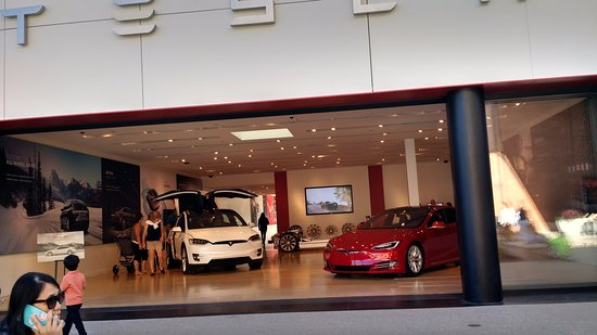 The Stanford Shopping Center: Tesla that you can actually sit in