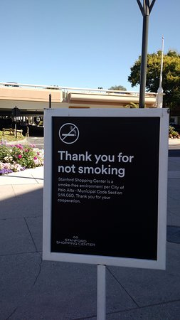 The Stanford Shopping Center: Smoke free mall