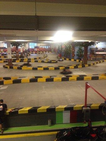 Cassano Magnago, Itália: Kartodromo curve troppo strette non si può sorpassare