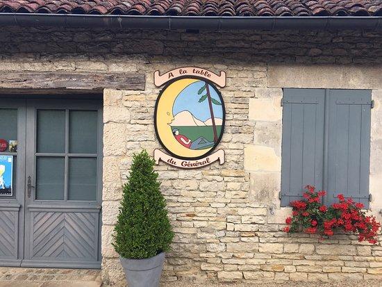 Colombey-les-deux-Eglises, Francia: photo8.jpg