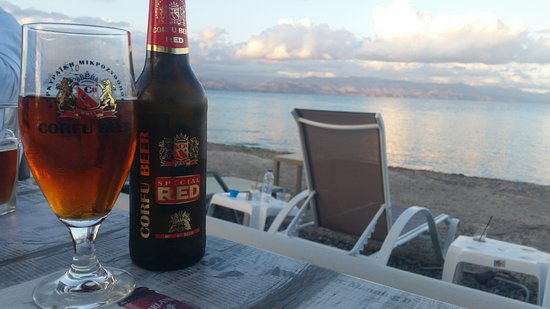 Arillas, Grekland: Corfu Beer Red