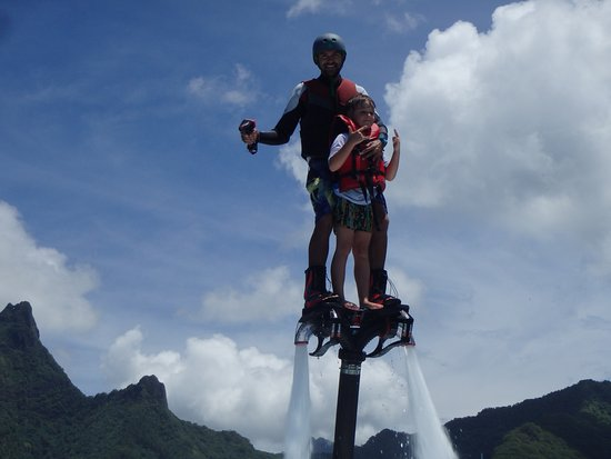 Vaiare, Polinesia francese: bapteme flyboard
