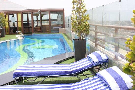Sea view hotel dubai united arab emirates reviews - Dubai airport swimming pool price ...