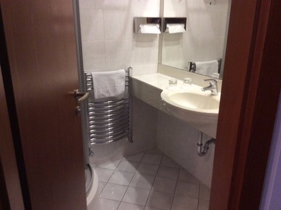 Hotel Coronet : Shower