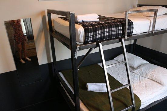 Urban Holiday Lofts: Habitación doble privada con baño compartido