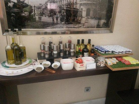 NH Collection Granada Victoria: para hacerse unas tostadas, casi nada jejeje