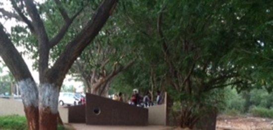 Navi Mumbai, Hindistan: Jewel -Entrance from Palm Beach Road