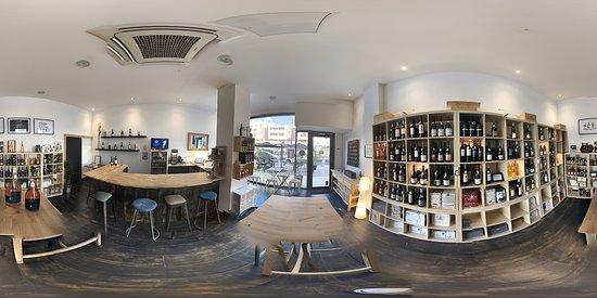 Castelnau-le-Lez, Frankrike: Cave & Bar à vins