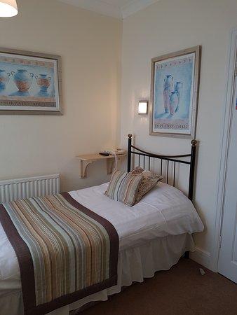 Abbeydale Hotel: Room 12, small single