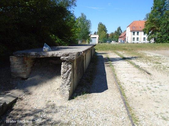 Dachau, Alemania: Plataforma onde paravam os trens levando judeus para o sacrifício.
