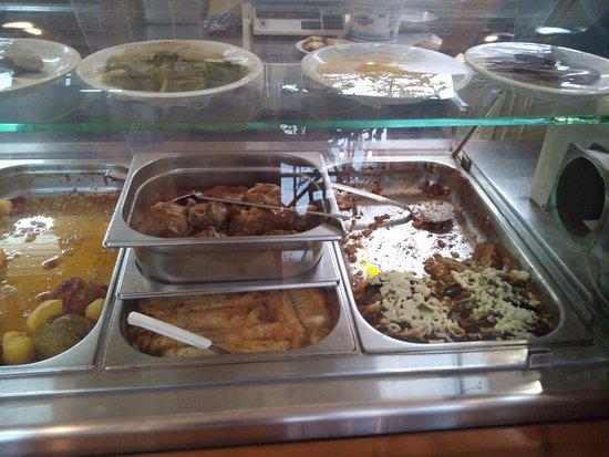 Lendas, Grécia: Gemistes, stuffed pancakes with spinach and Imam