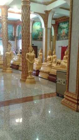 Wat Chalong: intérieur du temple
