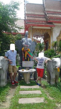 Wat Chalong: extérieur