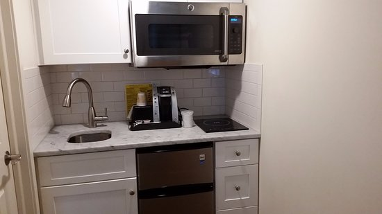 Fairfield, CT: The kitchenette!