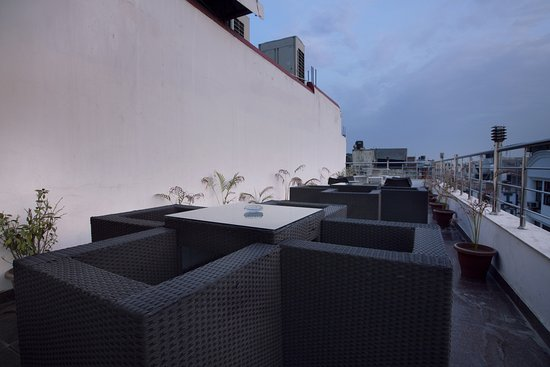 Hotel Krishna: Roof Top Open Area