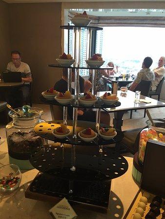 Shangri-La Hotel,Bangkok: Horizon Lounge