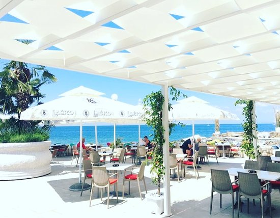Barbara Piran Beach Hotel & Spa: Bar