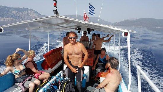 Epidavros, Grækenland: le boss! direction épave!