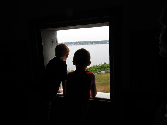 Kittery, ME: Looking out from the fort