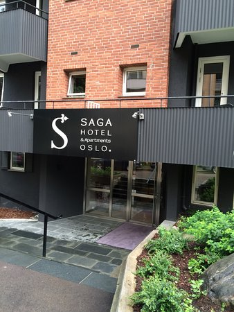 Saga Hotel Oslo: Front door of apartment