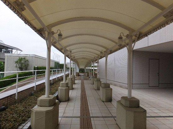ヒルトン東京お台場, お台場駅からホテルへのアプローチ