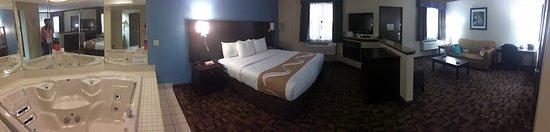 Quality Inn & Suites  Quakertown : photo1.jpg