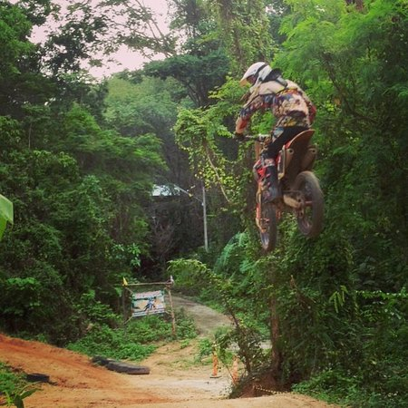 Chalong, Thaïlande : Motocross holiday in Phuket, Thailand