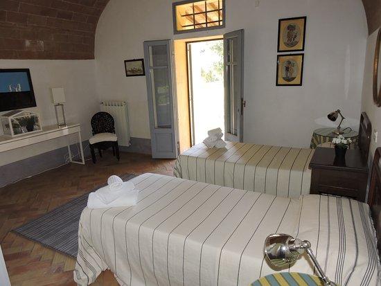 Castelfiorentino, Italia: 2nd room with access to garden patio