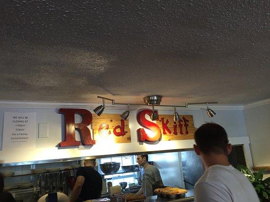 Red Skiff Restaurant: photo0.jpg