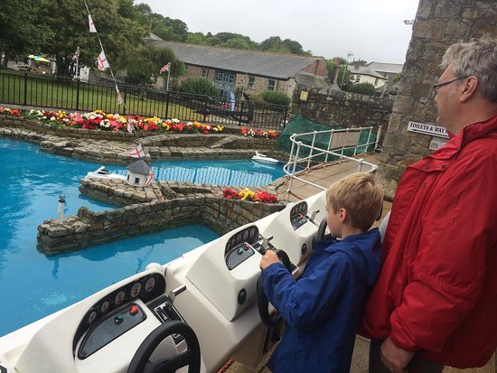 St Austell, UK: Remote control boats