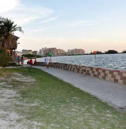 Bayonet Point, FL: the seawall just across the road from the Inn