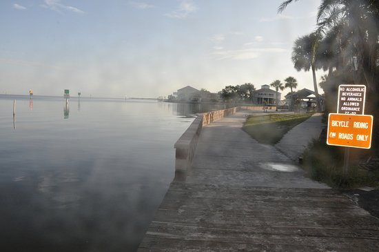 Bayonet Point, FL: walkway